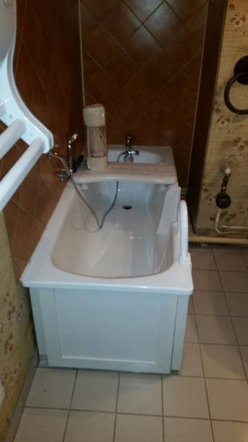 ouverture de baignoire avec portillon anti claboussure antibes dans les alpes maritimes 06160. Black Bedroom Furniture Sets. Home Design Ideas