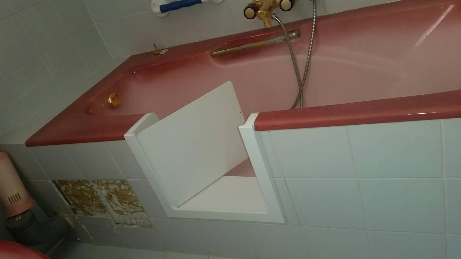 baignoire accessible pmr hy res r novation et d coupe de baignoire sur toulon solution bain. Black Bedroom Furniture Sets. Home Design Ideas